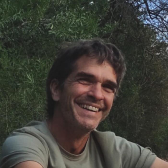 Luis  Dillon
